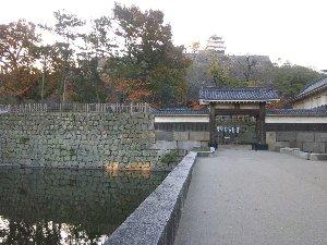 石垣の下から城までの高さは60メートルと日本一の高さを誇る。