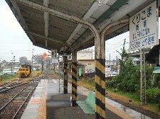 人の温かさを感じる、木造の小さな駅舎の雰囲気が良かったです。