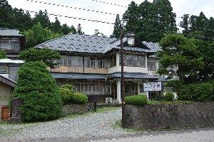 伊達氏ゆかりの湯宿、青根温泉のシンボルとなっている。